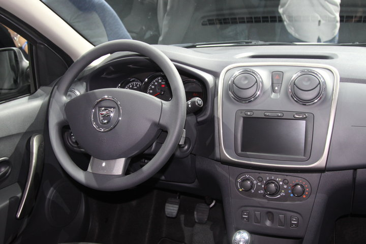 Salon Renault Duster 2013